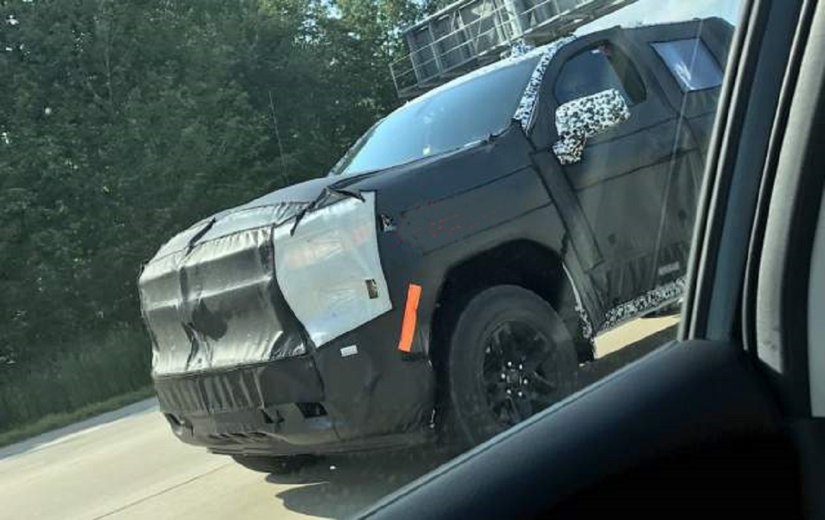 5 Chevy ZRX (Reaper) Spied Testing - 5 cars