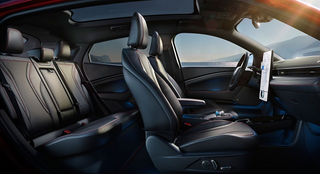 2023 Ford Mustang seats
