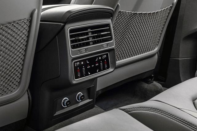 2021 Audi Q9 seats