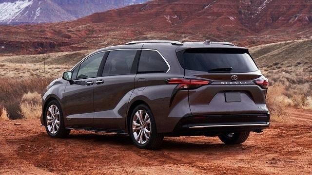 2021 Toyota Sienna rear