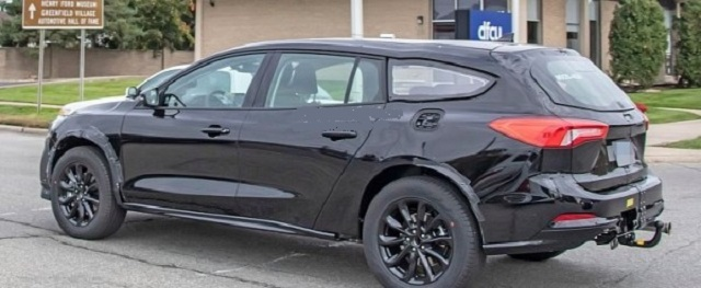 2022 Ford Fusion Active Wagon side