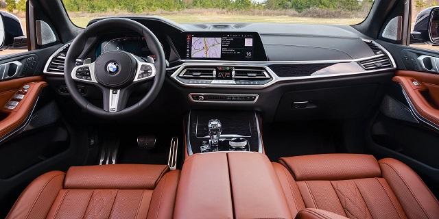 2021 BMW X8 cabin