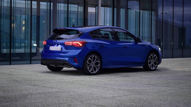 2021 Ford Focus side look