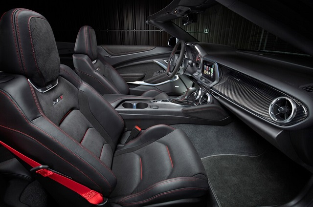 2022 Chevrolet Camaro cabin