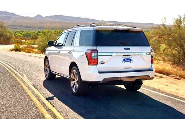 2022 Ford Expedition rear