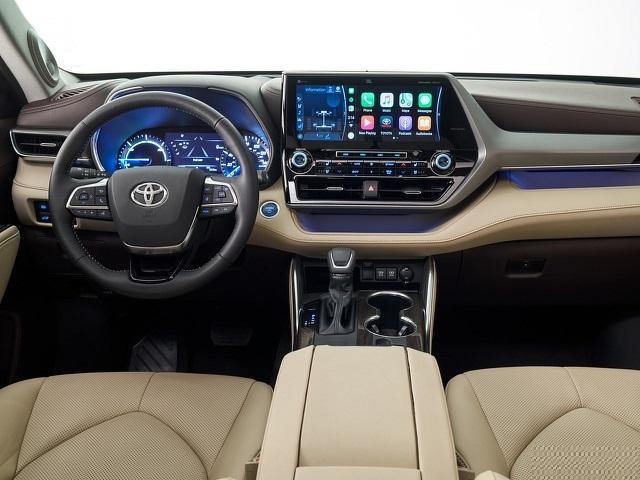 2022 Toyota Highlander cabin