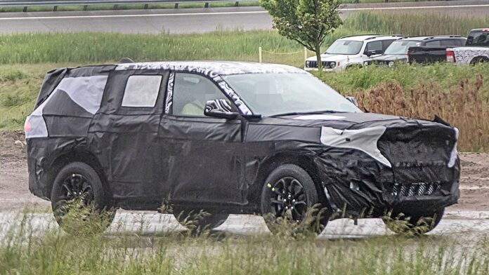 2022 Jeep Grand Cherokee front