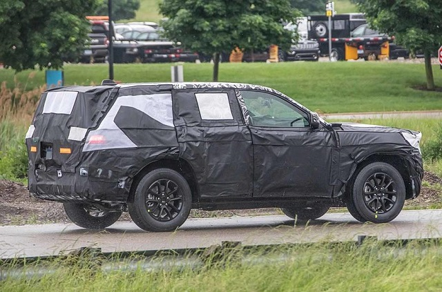 2022 Jeep Grand Cherokee rear