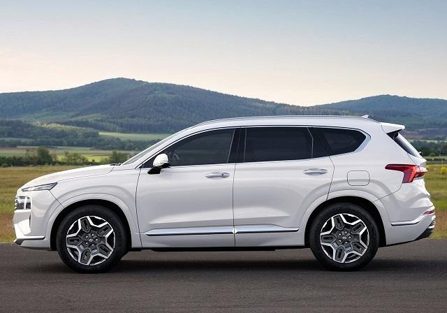 2022 Hyundai Santa Fe side