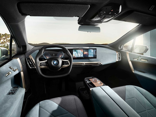 2022 BMW 7 Series cabin