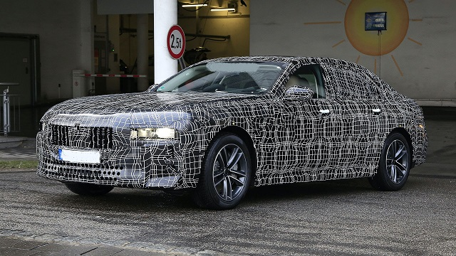 2022 BMW 7 Series front