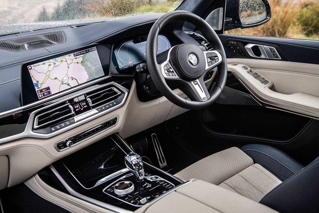 2022 BMW X7 cabin
