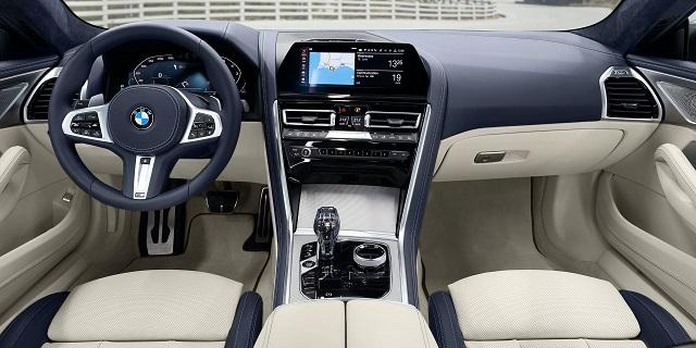 2022 BMW 8-Series interior