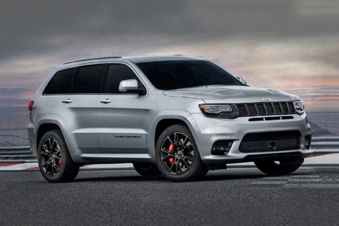 2022 Jeep Grand Cherokee SRT front