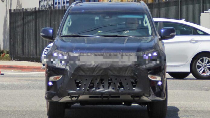 2022 Lexus GX 460 spy shots