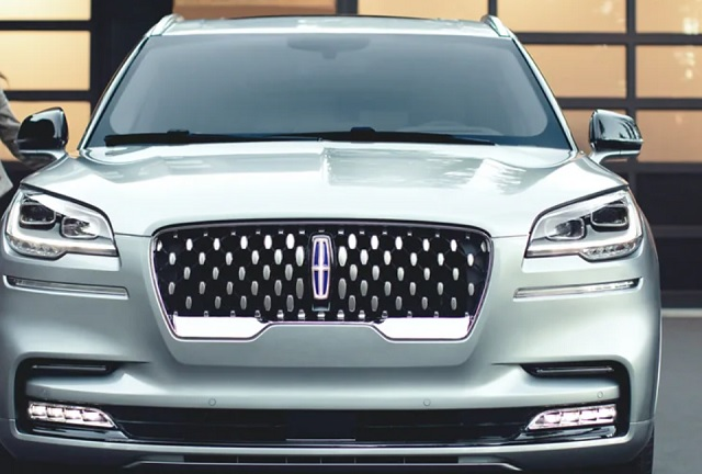 2022 Lincoln Aviator front