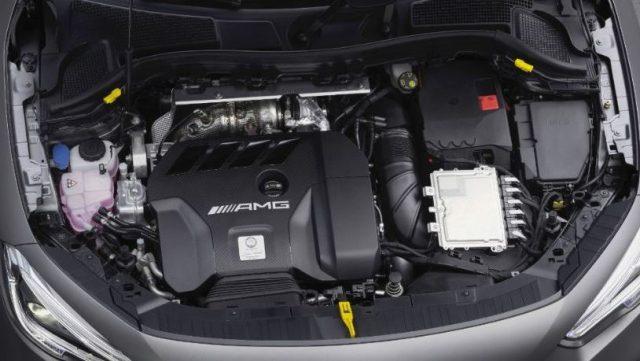 2022 Mercedes-Benz GLA engine