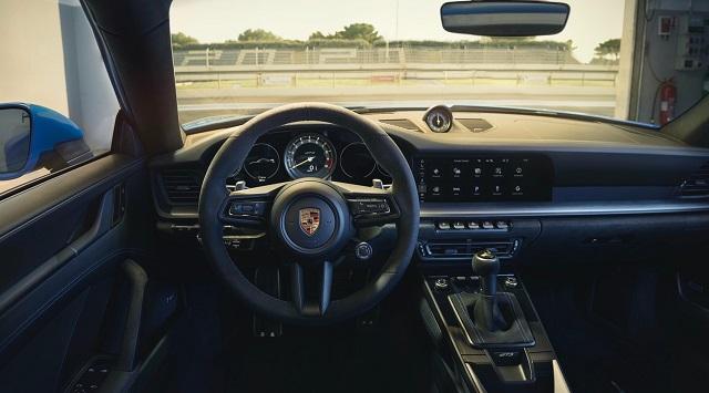 2022 Porsche 911 interior