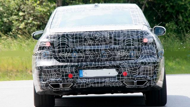 2023 BMW 7-Series rear