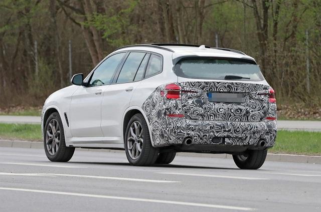 2023 BMW X3 rear