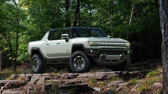 2023 GMC Hummer EV side