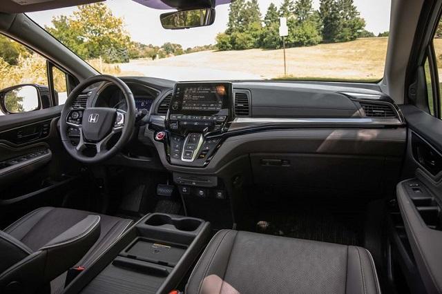 2023 Honda Odyssey interior