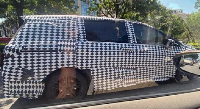 2023 Honda Odyssey side